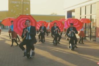 Танец на мопедах