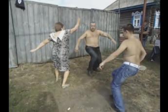 Танцы в деревне
