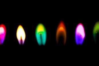 plamya-raznotsvetnoe
